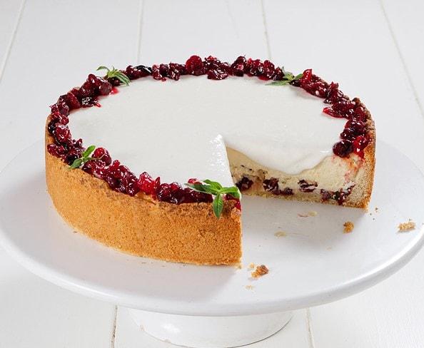 עוגת גבינה וחמוציות אפויה