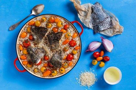 פאייה אורז ודגים