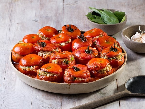 עגבניות ממולאות גריסים