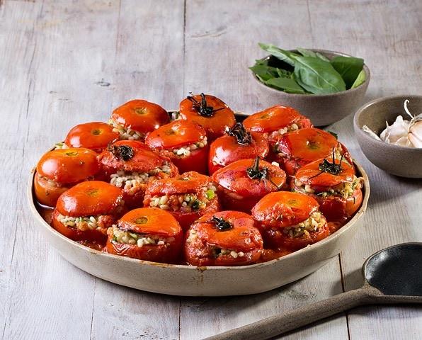 עגבניות ממולאות בגריסים